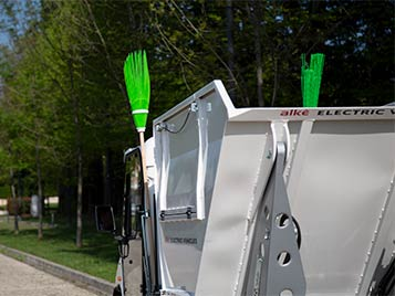 Industrial Waste Collector Vehicle with Pressure Washer